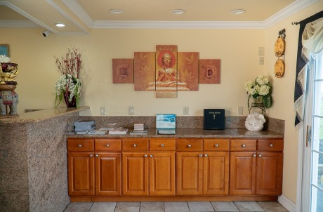 Welcome To Sea Breeze Inn - Lobby