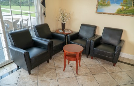 Welcome To Sea Breeze Inn - Lobby Seating